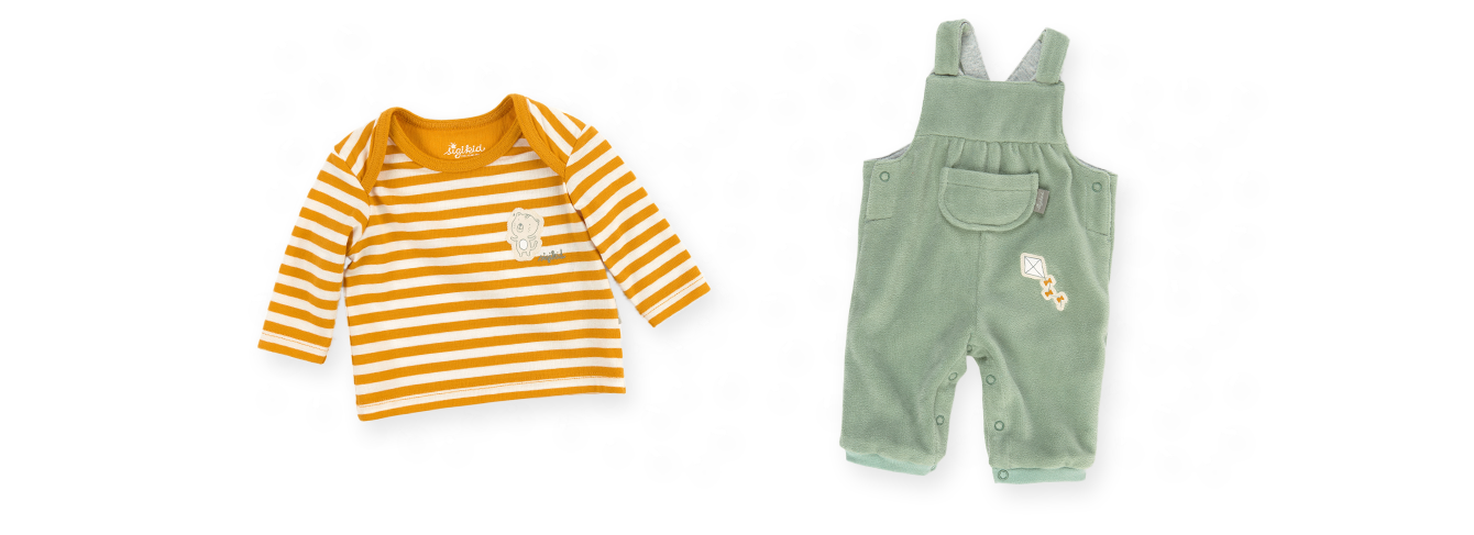 Newborn baby clothing from 0 to 6 months